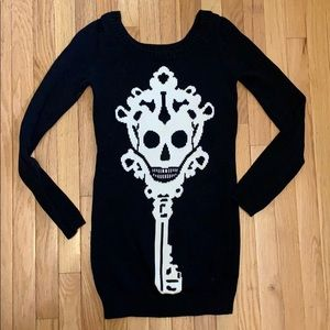 Long black knit Betsey skeleton key sweater